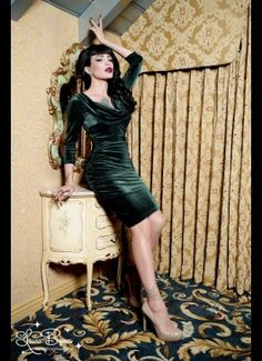 Deadly Dames Film Noir Dress in Emerald Green Velvet