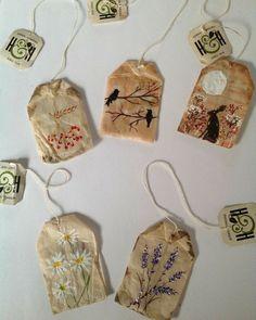 Teabag art by Kate Jacobs . Kunstjournal Inspiration, Art Journal Inspiration, Art Inspo, Tea Bag Art, Tea Art, Tee Kunst, Creation Art, Arts And Crafts, Paper Crafts