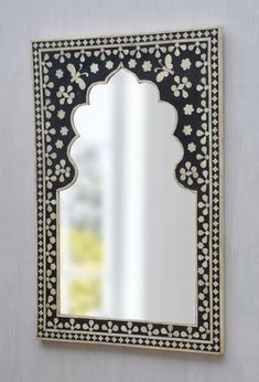 Mirror Painting, Mirror Art, Handmade Mirrors, Handmade Items, Furniture Wax, Painted Furniture, Traditional Mirrors, Antique Decor, Butterfly Design