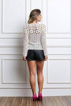 Blusa crochê com mangas