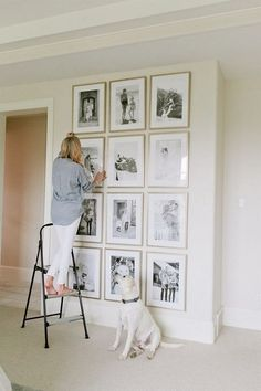 Here's What I Know About Family Picture Wall Ideas ~ Popular Living Room Design Interior Design Living Room Warm, Living Room Designs, Living Room Decor, Kitchen Interior, Dining Room, Family Pictures On Wall, Wall Decor Pictures, Modern Minimalist Living Room, Trendy Home