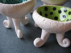 Pinch Pot with scroll feet - cute! Love the polka-dots inside!