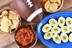 Fruit salsa -n- sweet chips Sweet and spicy snack mix Veggie pizza Hearty turkey chili Black bean burgers Philly steak [. Healthy Snack Options, Healthy Eating Tips, Good Healthy Recipes, Low Carb Recipes, Healthy Snacks, Game Day Snacks, Snacks For Work, Easy Snacks, Healthy Meatloaf