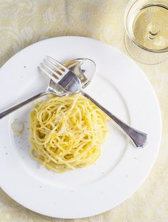 Lemon & Saffron Spaghetti. Light and bright little jewel, a touch of luxe by infusing everyday dried spaghetti with saffron then enveloping it in a simple garlic butter sauce and ready to enjoy in 15 minutes.