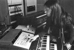 7+Visionary+Women+Who+Paved+the+Way+for+Electronic+Music