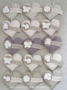 Le cose piccinine: Let's celebrate Wedding Favours, Wedding Gifts, Ideas Bautizo, Idee Baby Shower, Heart Template, Heart Crafts, Felt Fabric, Newborn Gifts, Craft Gifts