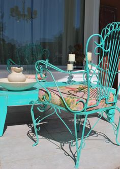 So Glittering: abril 2013 Though historic inside idea, a pergola continues to be suffering from Outdoor Decor, Outdoor Chairs, Iron Patio Furniture, Metal Patio Furniture, Home Decor, Patio Furniture, Outdoor Furniture Sets, Patio Interior, Metal Outdoor Chairs