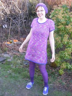 Sparkly Sweater Dress by Torya Winters FREE PATTERN on Ravelry knit in bulky yarn with needles Sparkly Sweater, Charity Shop, Free Pattern, Knitting Patterns, Knit Crochet, Short Sleeve Dresses, Coffer, One Piece, Inspired