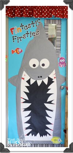 First Grade Blue Skies Big classroom reveal! Love the fin-tastic letters! Creative Teaching Press Chevron Letters and Black Dot-to-Sot letters. Classroom Bulletin Boards, Classroom Door, Classroom Design, Science Classroom, Classroom Themes, Classroom Organization, Ocean Themed Classroom, Beach Bulletin Boards, Classroom Environment
