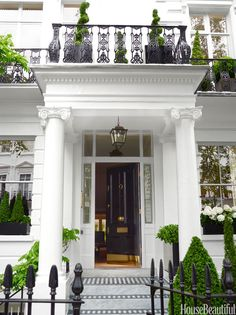 This stately 1860 London townhouse is a commanding presence in fashionable South Kensington. Now THIS is an entrance! London Townhouse, London House, Townhouse Interior, London City, London Night, London Map, London Skyline, London Apartment, London Bridge