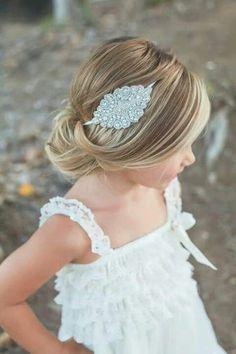 Rhinestone headband- Gatsby headband- Halo headband- Flwoer girl headband- wedding headband- crystal headband by PinkPosiesShop on Etsy Low Bun Hairstyles, Headband Hairstyles, Trendy Hairstyles, Teenage Hairstyles, Female Hairstyles, Girl Haircuts, Hairstyle Ideas, Short Haircuts, Little Girl Wedding Hairstyles