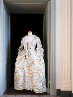 La robe de Madame de Pompadour, 1755.