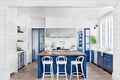 15 Ways with Shiplap: Clean and Crisp Shiplap Kitchen