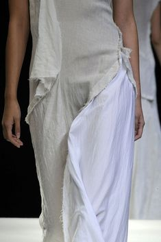 See detail photos for Yohji Yamamoto Spring 2009 Ready-to-Wear collection.