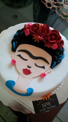 This Frida Kahlo cake is adorable!