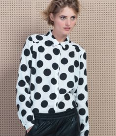 #fashion #blouse #dots #stippen #blackandwhite #zwartwit #wehkamp http://www.wehkamp.nl/damesmode/blouses-tunieken/blouses/vero-moda-blouse/C21_1AA_A80_529662/?MaatCode=0360&PI=0&PrI=13&Nrpp=96&Blocks=0&Ns=D&NavState=%2f_%2fN-1xb7&IsSeg=1&SelSegCode=A_0076&SelSegType=2