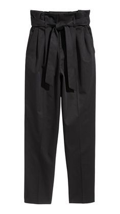 Pants in woven stretch fabric with a high paper-bag waist with pleats and removable tie belt. Zip fly with concealed hook-and-eye fasteners side pockets and straight-cut tapered legs. H&m Fashion, Fashion Pants, Fashion Online, Black Dress Pants, Pants Outfit, H M Outfits, Pantalon Costume, Wide Trousers, Legs