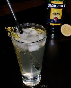 Drink, do którego nie potrzeba shakera, nie trzeba też wymyślnych składników, więc świetnie się nada na imprezę.