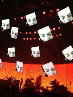 Omfg sick stage design for TKOL tour - Tonsa suspended screens and energy-saving LED lights