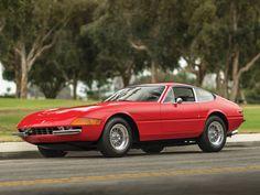 1972 Ferrari 365 GTB/4 Daytona | Colombo V12, 4,390 cm³ | 352 bhp | Design: Leonardo Fioravanti, Pininfarina