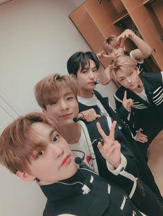 Nct Dream We Boom behind stage selca Nct 127, Winwin, Taeyong, Jaehyun, Ntc Dream, Nct U Members, Nct Group, Dream Baby, Ji Sung