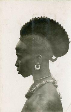 Femme Foulah,  Guinée,  Années 1930 -  Photo de Gabriel Lerat