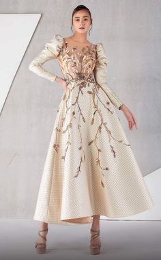 Elegant Dresses, Pretty Dresses, Elegant Gown, Elegant Evening Gowns, Vintage Evening Gowns, Sophisticated Dress, Vestidos Vintage, Gowns Of Elegance, Beautiful Gowns