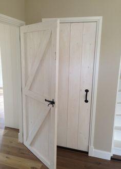 Speurders.nl: Landelijke deur / Houten boerderij binnendeur / Staldeur Decor, Barn Renovation, Home, Country Cottage Style, House Styles, New Homes, Doors Interior, House Interior, Home Deco