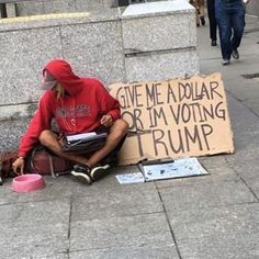 Someone please give him a dollar  (12 Photos)