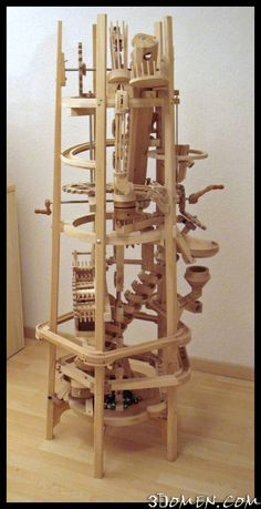Удивительная деревянная механика от Поля Грюндбахера