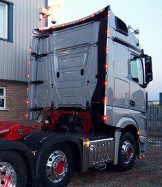 LED Perimeter Rear Stop Tail//Indicator Bailey light bar Scania//Volvo//MAN//DAF