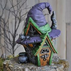 Fiddlehead Fairy Village Witch Hat House fairy house for a fairy garden or for an indoor or outdoor display from Georgetown Home & Garden. Clay Projects, Clay Crafts, Clay Fairy House, Halloween Fairy, Halloween Series, Halloween Village, Halloween House, Halloween Themes, Polymer Clay Fairy