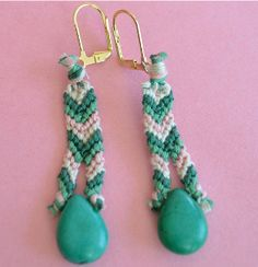 This Friendship Earrings tutorial will show you how to make earrings to go with a friendship bracelet, and the bead adds a quick dash of elegance to this casual summer piece.