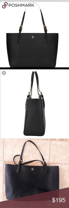 f905bc22bc8 Tory Burch Large York Buckle Tote! Tory Burch Large York Buckle Tote Black!  Bag itself is in great condition but there s some wear on the handles as  shown ...