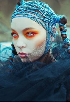 Love the contrast and the use of twine yarn material Avante Garde Makeup 3b7b8990f98