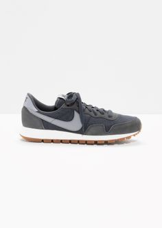 & Other Stories | Nike Air Pegasus '83 (vintage nikes for travel/comfort)