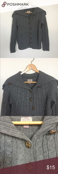 Cable Gray Cardigan Knit gray cardigan from forever 21. Used once. Essentially brand new. Beautiful look for the holidays. Forever 21 Sweaters Cardigans