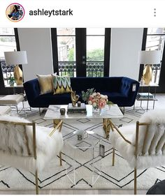 If you are looking for Velvet Living Room Furniture Ideas, You come to the right place. Below are the Velvet Living Room Furniture Ideas. Glam Living Room, Formal Living Rooms, Living Room Interior, Living Room Decor, Decor Room, Modern Living, Small Living, Blue Velvet Sofa Living Room, Interior Livingroom