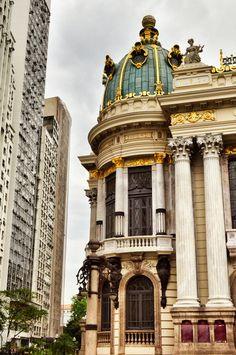 brazilwonders:Municipal theather founded in 1909 in Cinelandia, Rio de Janeiro (by nandocarmel)