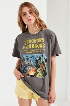 Urban Outfitters Dungeons & Dragons Tee - S Urban Outfitters Style, Brandy Melville Outfits, Tees For Women, Dungeons And Dragons, Cool Shirts, Fitness Models, Graphic Tees, Street Wear, Cute Outfits
