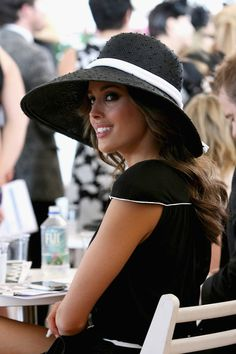Rebecca Twigley Hat  Favorite Kentucky Derby party ideas and inspiration-- Frosted Events Blog @frostedevents #kentuckyderby