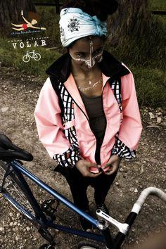 Bici-Bike Naturalmente bicicletera Chiros Bendito Amor! #Bici #Bike #Rosa #Fixed  #ChirosBenditoAmor #MujerMedicina #Chumbe #MedicinaFemenina #plantasSagradas #Tejido #Bakatá #Muysqa #MujerPajaro #Máscaras #Amor #Magia #retazos #natural #Volar