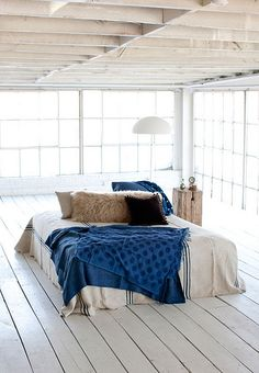 love the warehouse loft, love the natural european linen combined with the navy