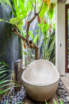 Sea Shanty Jimbaran is an excellent holiday house with the Jimbaran  beach at your doorstep. Bali Interiors takes a look at this beautiful  residence. Come and take a look.