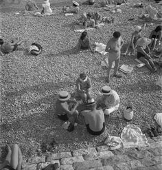 Nice 1939 by Roman Vishniac ©Mara Vishniac Kohn. Courtesy International Center of Photography
