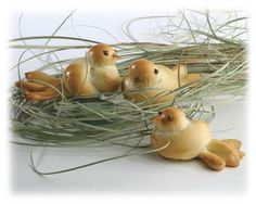 Dinner Roll Doves-See the Tutorial and make them yourself for Easter dinner  Rhodes Bread