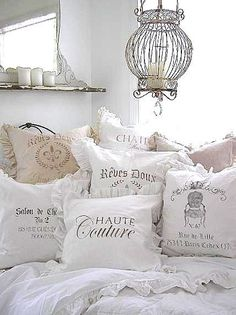 4 Astounding Tips: Country Shabby Chic Bedroom shabby chic sofa clock. - 4 Astounding Tips: Country Shabby Chic Bedroom shabby chic sofa clock. Shabby Chic Style, Cottage Shabby Chic, Shabby Chic Mode, Shabby Chic Vintage, Shabby Chic Bedrooms, Shabby Chic Furniture, Shabby Chic Decor, Refurbished Furniture, Vintage Decor
