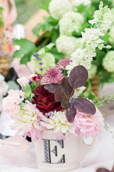 wedding blooms pink | Image by Elena Joland Photographie  www.elenajolandphotos.com