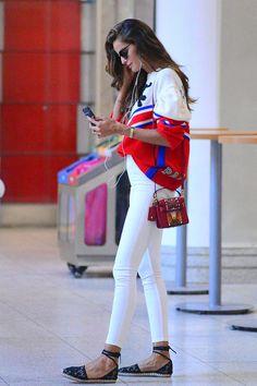 O Estilo da Izabel Goulart - Gabi May Street Style Outfits, Street Style Women, Cool Outfits, Fashion Outfits, Fashion Trends, Street Styles, Style Fashion, Fashion Inspiration, Izabel Goulart