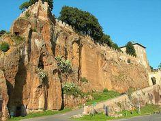 ¿Puede un volcán ofrecer la paz a un pueblo? #Ceri #Cerveteri http://www.guias.travel/blog/puede-un-volcan-ofrecer-la-paz-a-un-pueblo/ #Italia